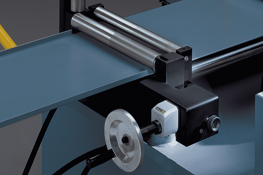 Close up detail of the Cutting length adjusting wheel for the Bianco 330AE and 370AE Fully Automatic Bandsaw