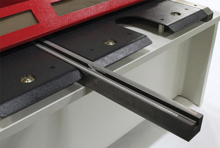 Close up of a support arm on a HSVS Variable Rake Guillotine