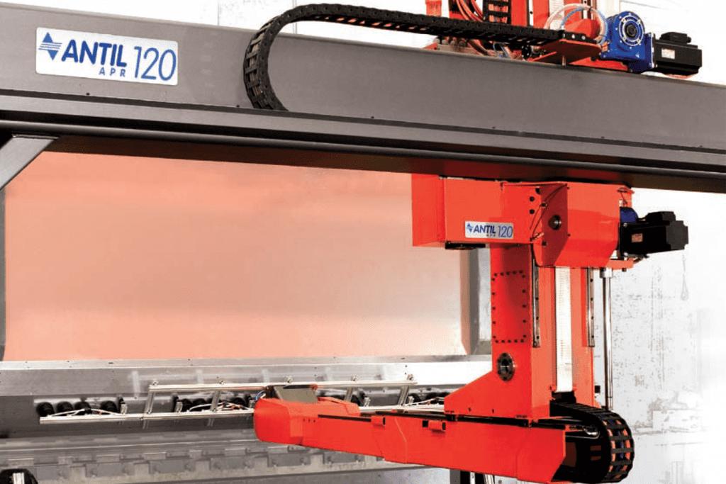 Detail Antil-Robotic-Arm-holding-material-to-press-brake